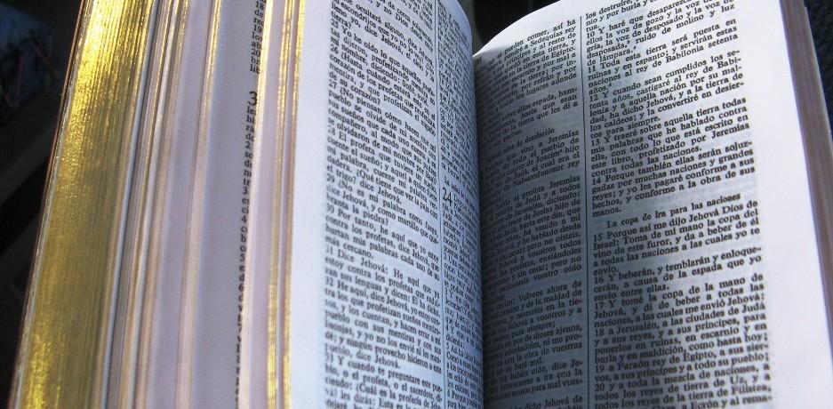 """""""Świat jest książką, a Ci którzy nie podróżują czytają tylko jedną jej stronę"""" (Św Augustyn)"""